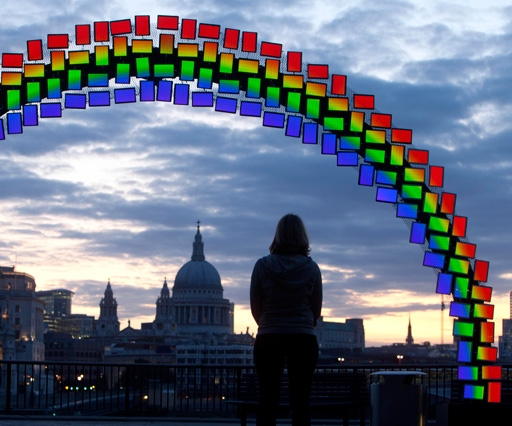Samsung lights up London skyline with Midnight Rainbow