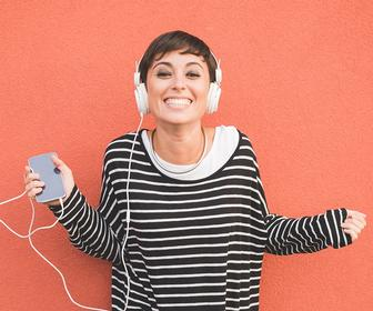 The Best Design Podcasts: 12 Entertaining, Insightful Podcasts for Designers