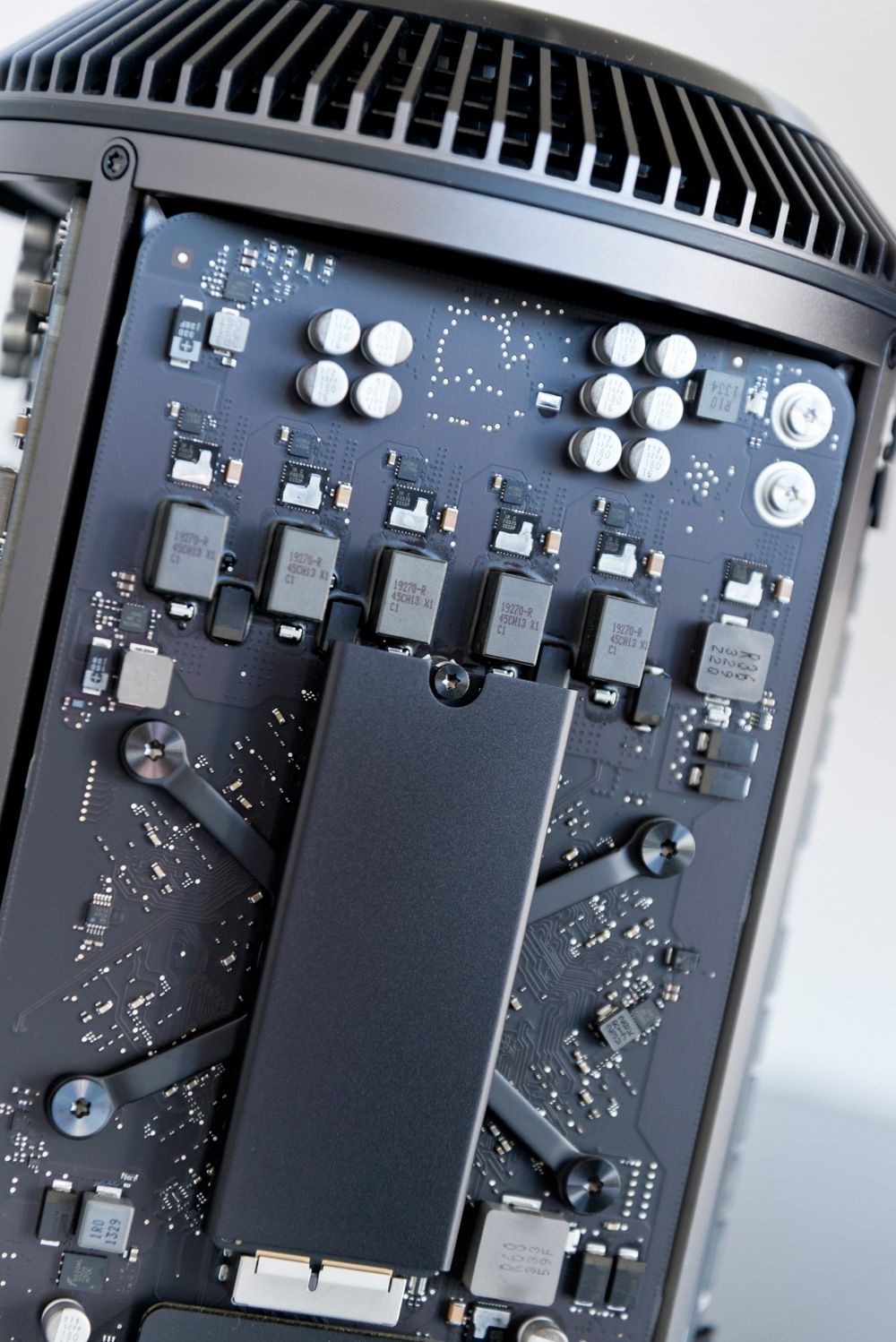 Mac Professional Makeup Artist Kit: Apple Mac Pro 2013: In Pictures