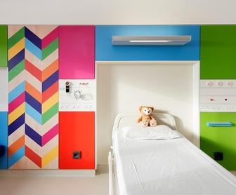 Morag Myerscough's geometric patterns brighten Sheffield Children's Hospital's new wing